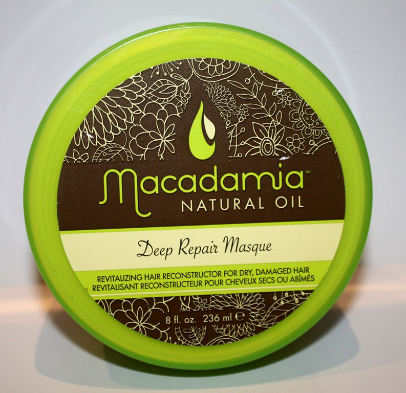 Macadamia Deep Repair Masque Application