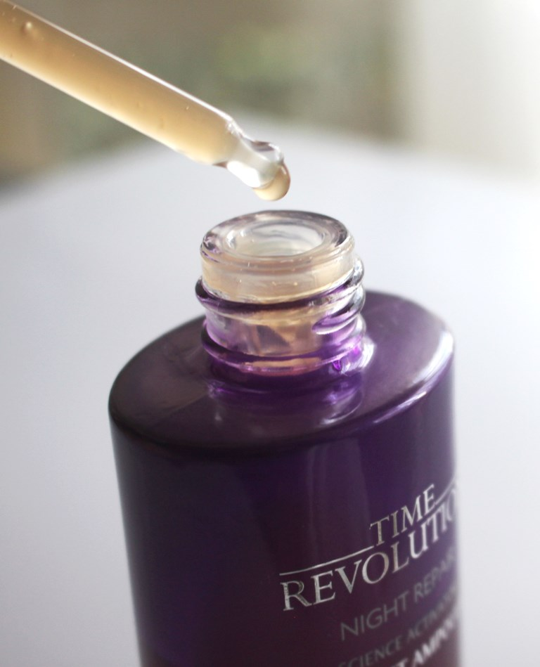 Missha Time Revolution Night Repair Ampoule Consistency