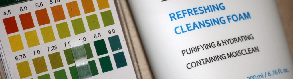Missha Super Aqua Refreshing Cleansing Foam pH test