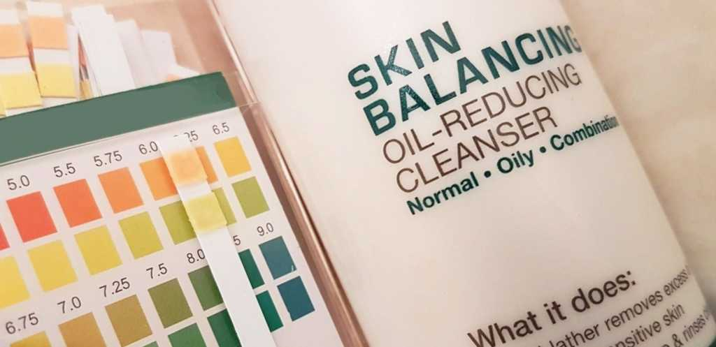 Paula's Choice Skin Balancing Oil Reducing Cleanser pH