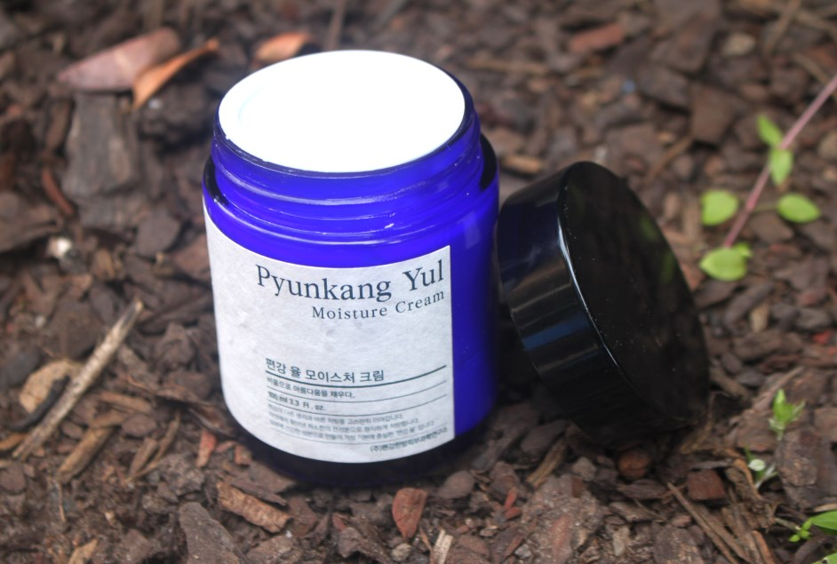 Pyunkang Yul Moisture Cream packaging