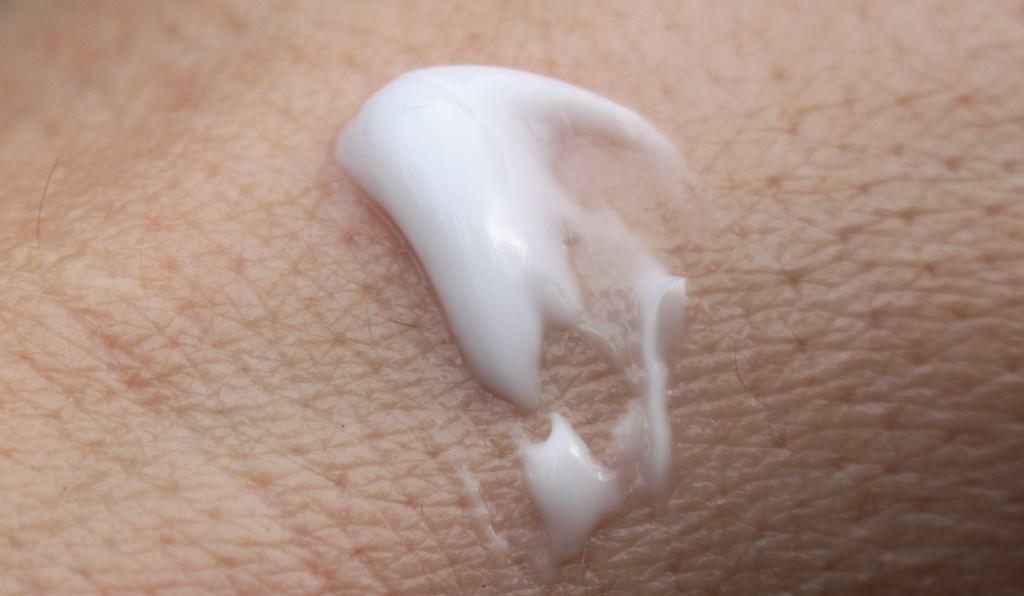 Pyunkang Yul Moisture Cream Texture