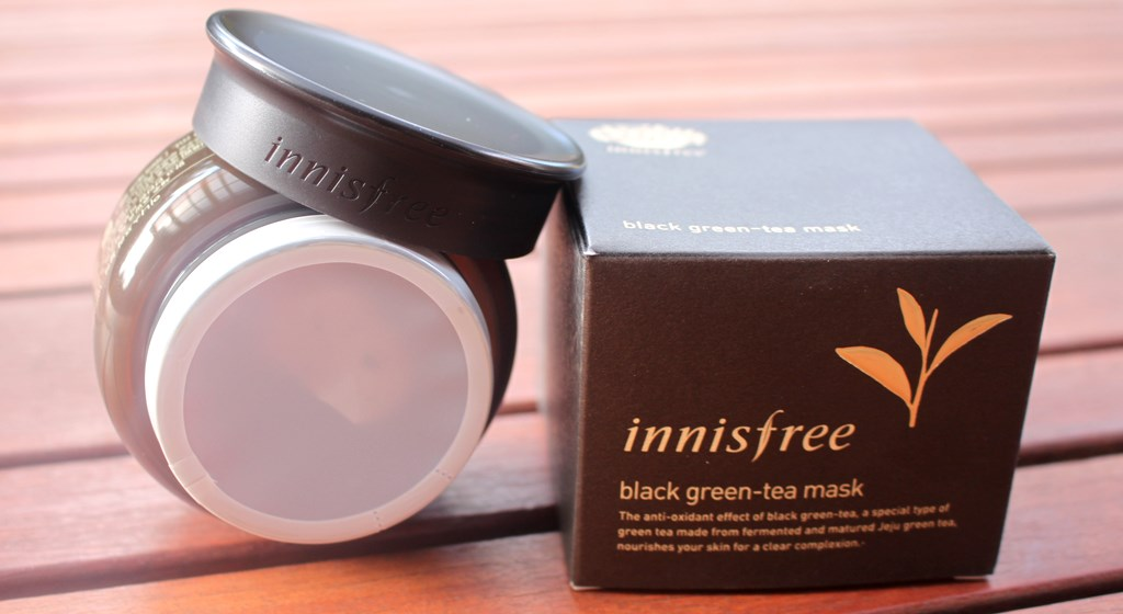 Innisfree Black Green-Tea Mask presentation