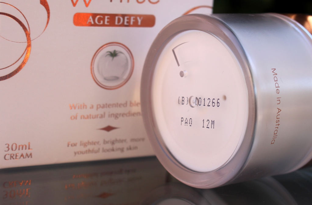 Hivita Luminous White Age Defy Period After Opening (PAO)