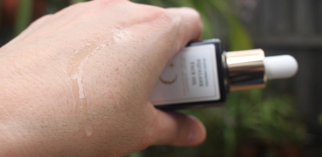 Melixir Squalane Face Oil Texture