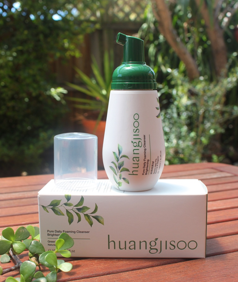 Huangjisoo Pure Daily Foaming Cleanser (Brightening) Packaging