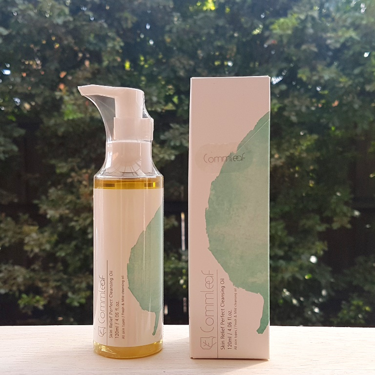 Commleaf Skin Relief Perfect Cleansing Oil Packaging