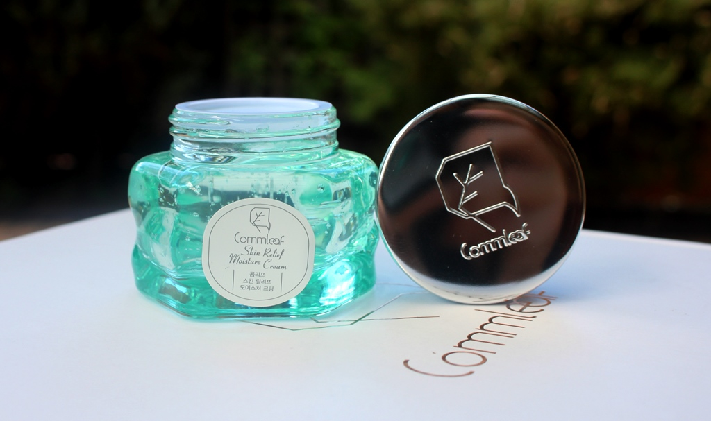 Commleaf Skin Relief Moisture Cream Presentation