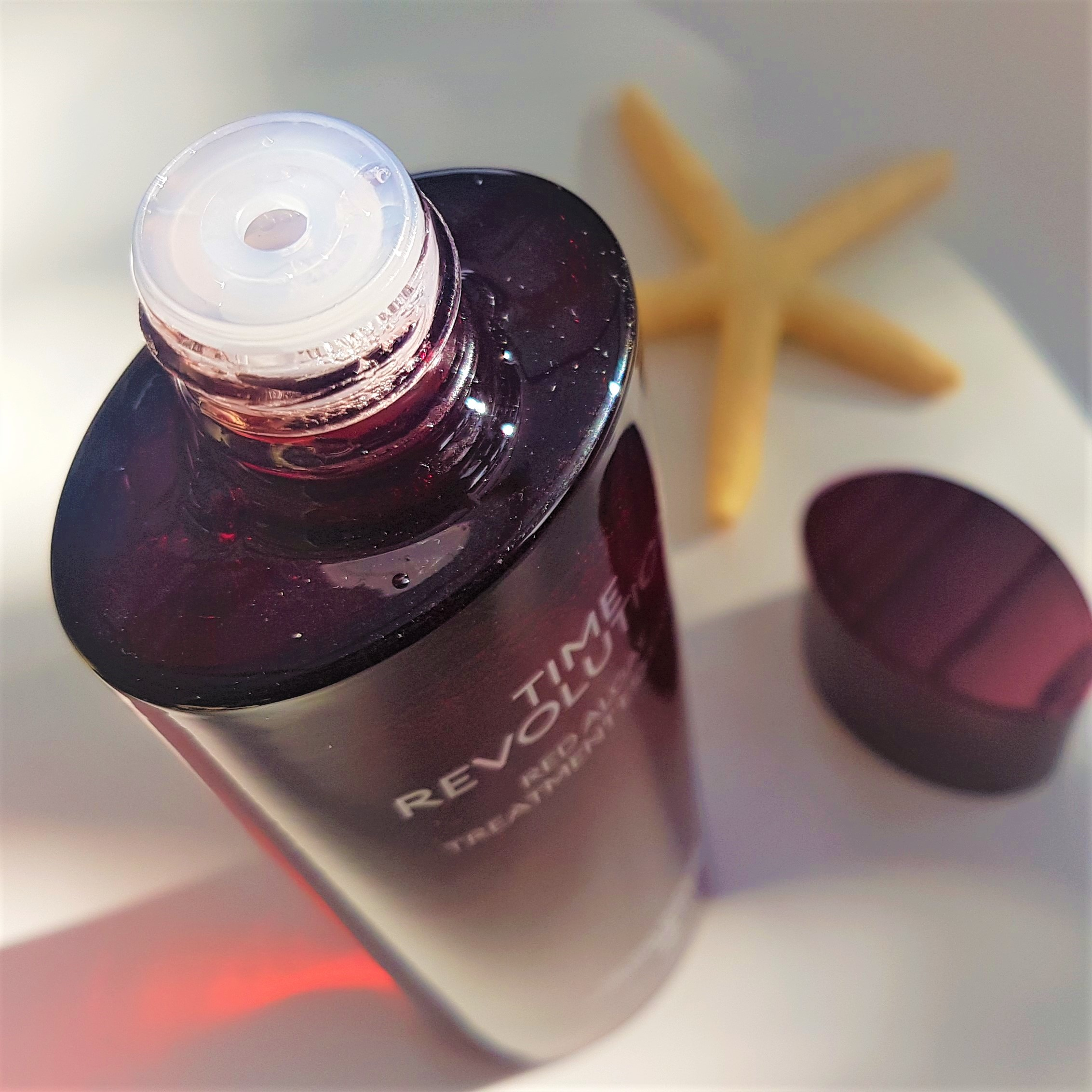 Missha Red Algae Treatment Essence Packaging