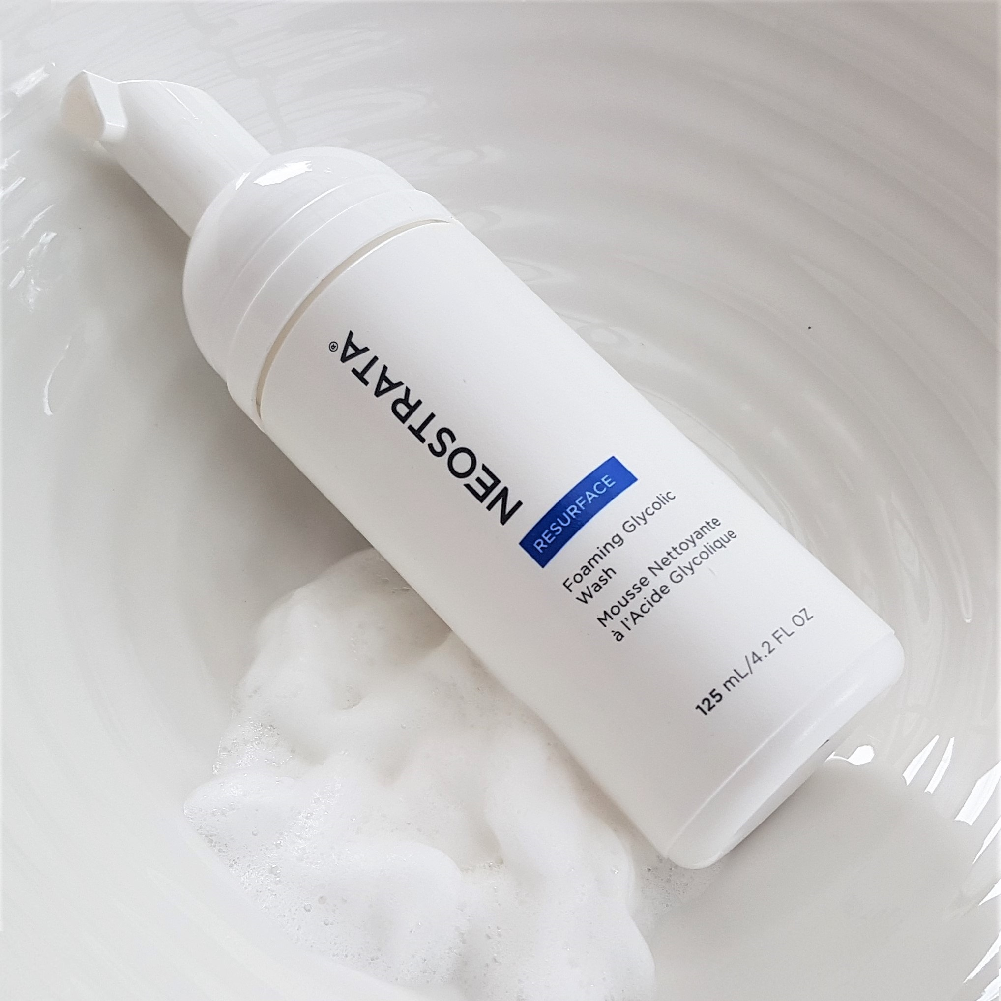 Neostrata Resurface Foaming Glycolic Wash Texture