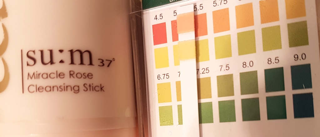 Su:m37° Miracle Rose Cleansing Stick Acidity Test
