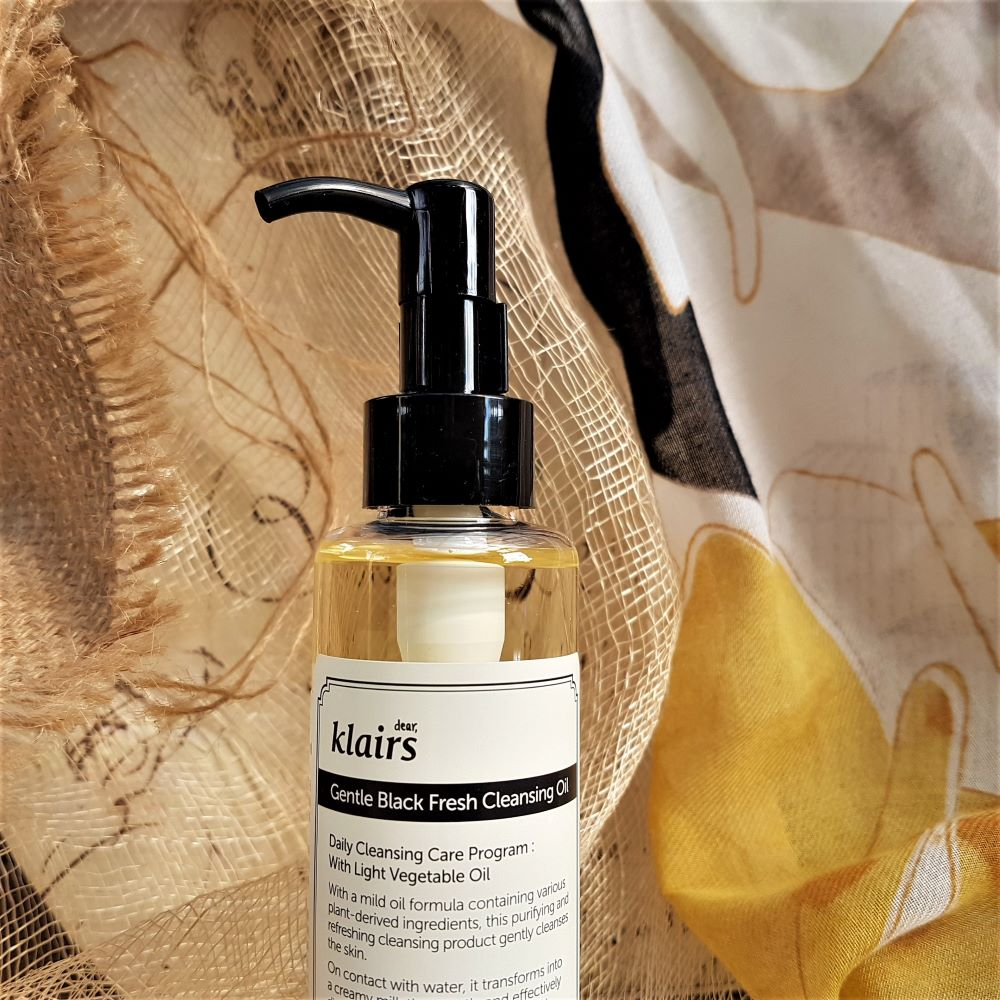 Klairs Gentle Black Fresh Cleansing Oil Spill Prevention Clip